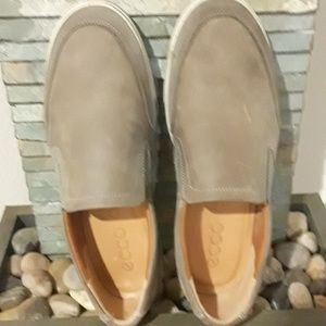 Mens - Ecco slip on size 10 - 10.5 M - Warm grey